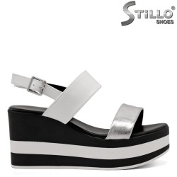 Ежедневни сандали на платформа бяло райе - 33288