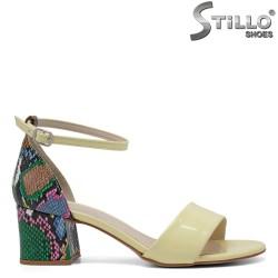 Жълти сандали със змийски ток - 33299