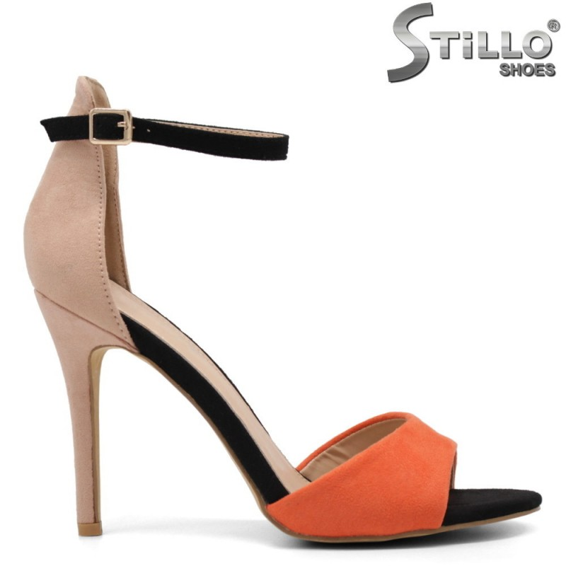 Цветни сандали на тънък висок ток - 33304