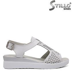 Бели ежедневни сандали естествена кожа - 33316