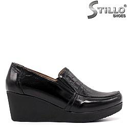 Дамска обувка в черна естествена кожа - 33362
