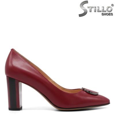 Елегантни обувки на висок ток в бордо - 33364