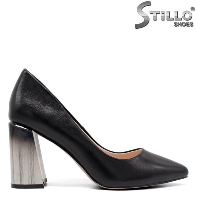 Елеганти обувки на висок ефектен ток - 33373