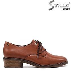 Дамски есенни обувки с връзки - 33376