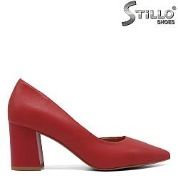 Червени остри обувки на среден ток - 33402