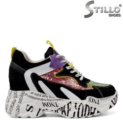Цветни маратонки с надписи на скрита платформа  - 33405