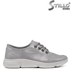 Сиви спортни обувки с връзки - 33409