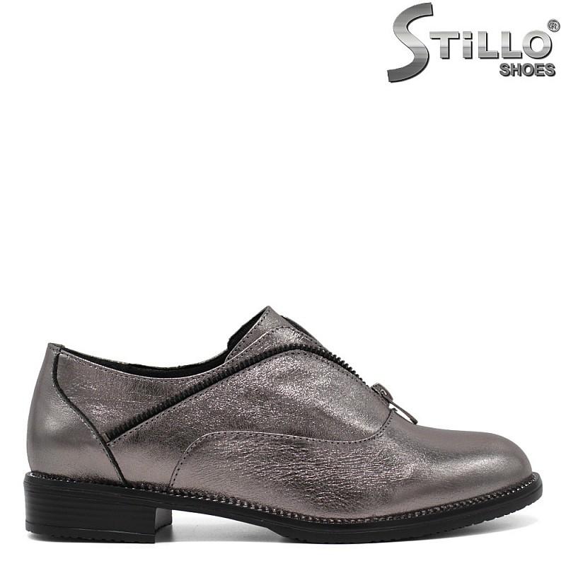 Дамски сребристи обувки на нисък ток - 33461