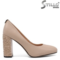 Обувки бежова кожа на висок релефен ток  - 33488