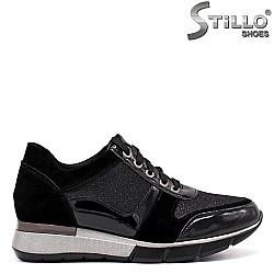 Дамски маратонки велур и черен лак - 33501