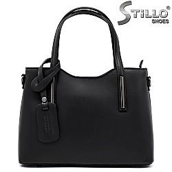 Чанта от естествена кожа с метални аксесоари - 31404