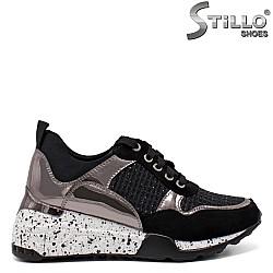 Дамски маратонки в черен велур и металик - 33500