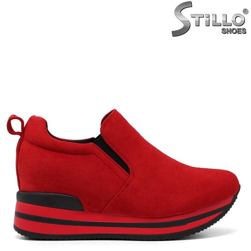 Червени кецове от велур - 33510