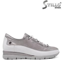 Дамски спортни обувки с ластични връзки - 33541