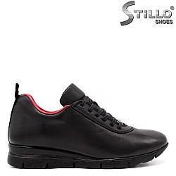 Спортни дамски обувки с червен хастар - 33545