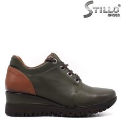 Зелени дамски обувки на средна платформа - 33548