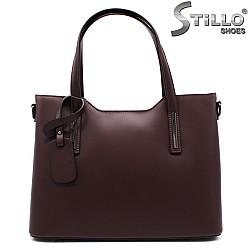 Дамска чанта от перлено-лилава кожа - 33571