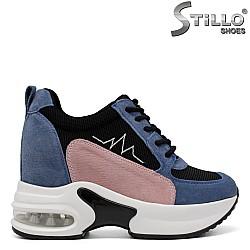 Спортни маратонки на скрита платформа в розово и синьо - 33615