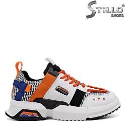 Дамски сникърси в бяло, черно и оранжево - 33679