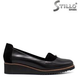 Ежедневни обувки от черна кожа и велур - 33686