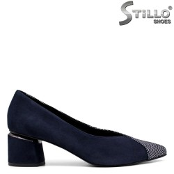 Дамски обувки от тъмносин велур и пепит - 33690