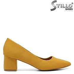 Жълти обувки на среден ток - 33478