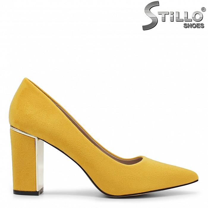 Жълти велурени обувки - 35962