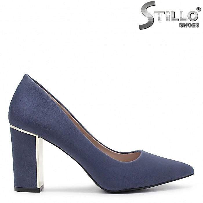 Елегантни обувки от син велур - 35978