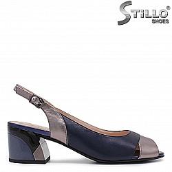 Сини сандали на цветен ток - 36022