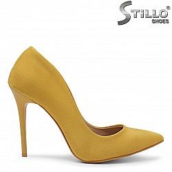 Елегантни жълти обувки на тънък ток-36091
