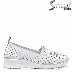 Дамски обувки на ниска платформа - 36103