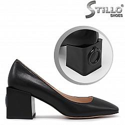 Стилни дамски обувки с пресечена визия - 36237