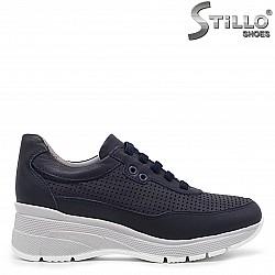 Дамски спортни обувки с перфорация -36331