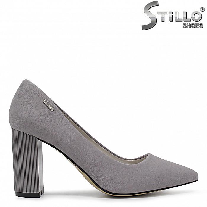 Сиви дамски обувки на ток- 36345