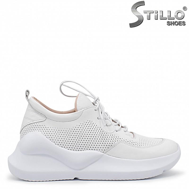 Бели сникърси на спортно ходило - 36077