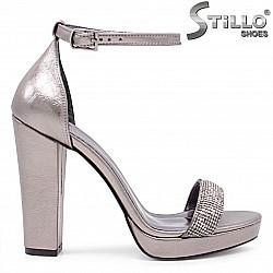 Бронзови абитуриентски сандали на висок ток - 36094