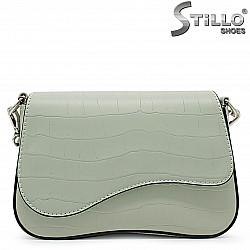 Зелена дамска чанта с кроко принт – 36121