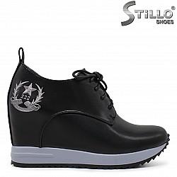 Спортно-елегантни обувки на платформа - 36229