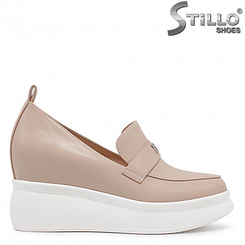 Бежови обувки на платформа - 36232