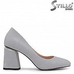 Сиви дамски обувки на среден ток - 36234