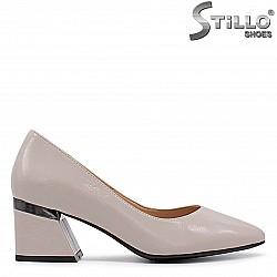 Дамски обувки на среден ток - 36335