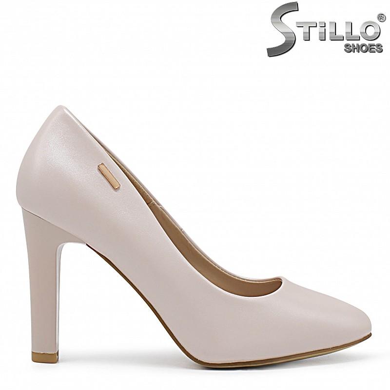 Дамски обувки на ток в перлено бежово – 36346