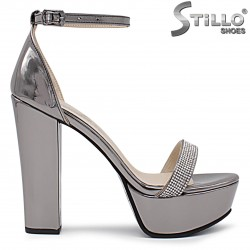 Бронзови сандали на висок ток с камъчета – 36355