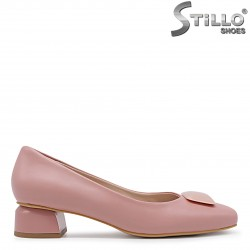 Дамски розови обувки на нисък ток – 36362
