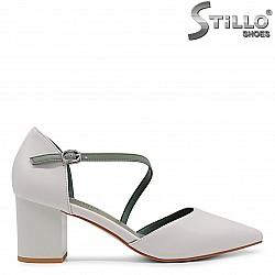 Летни обувки със зелена каишка - 36387