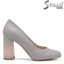 Сиви обувки от естествена кожа с ефектен ток– 36420