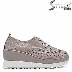 Спортни обувки на платформа от естествена кожа – 36432