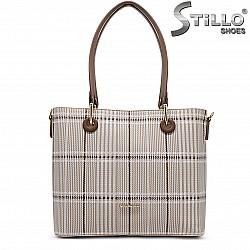 Дамска чанта в пепитен принт - 36463