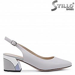 Сиви обувки с отворена пета – 36490