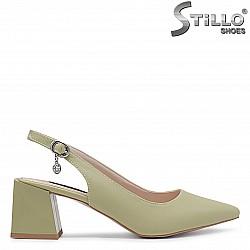 Зелени обувки без пета на среден ток – 36530